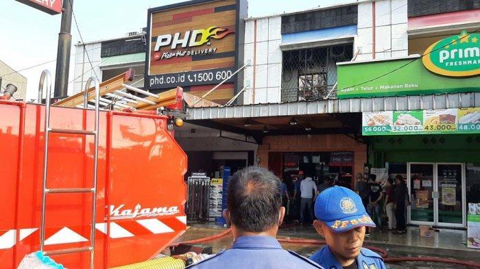 Kiosnya Dilalap Si Jago Merah, Pemilik Toko Sepatu di Cibinong Rugi Miliaran Rupiah