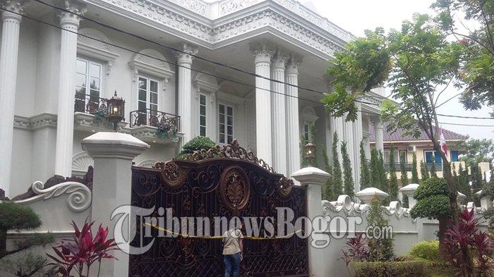 Melongok Mewahnya Rumah Bos First Travel di Sentul, Warga : Dikira Rumah Pejabat