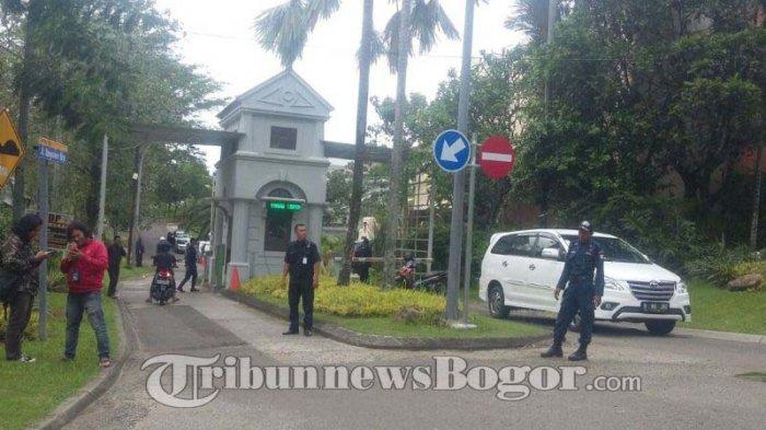 Bondan Winarno Meninggal, Gerbang ke Rumah Duka Dipenuhi Petugas Keamanan