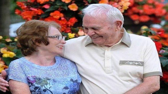 Jodoh ! Pasangan Kekasih Berusia 80 Tahun Ini Bersatu Kembali, Usai Terpisah 60 Tahun Lebih