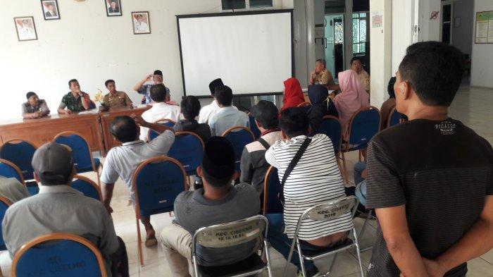 Diduga Ada Kejanggalan, Saksi Pilkades Satroni Kantor Camat Ciseeng Bogor