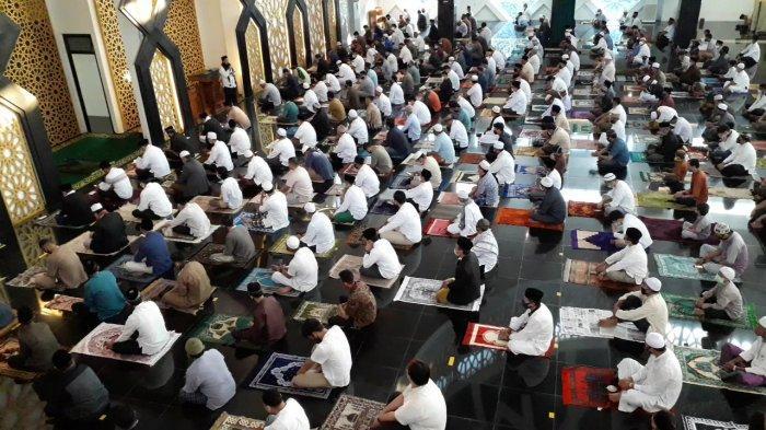 Lebaran Idul Adha 2021 Kapan? Bacaan Niat Sholat Idul Adha Dilengkapi Tulisan Arab serta Latin