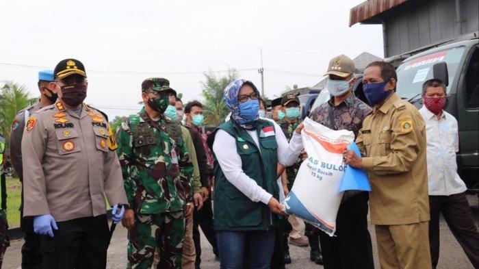 Bansos Beras Pemkab Bogor untuk Warga Terdampak Covid-19 Mulai Disalurkan, Pertama Untuk 11 Desa