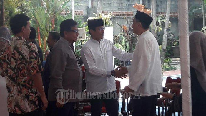 Sandiaga Uno Takziah ke Kediaman SBY di Cikeas