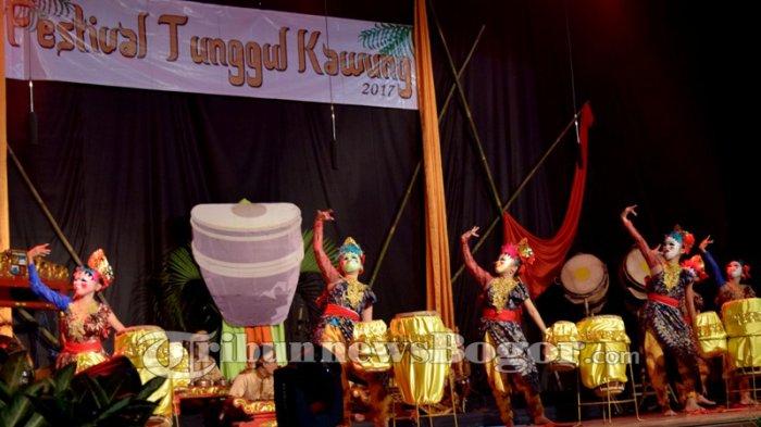 Aksi Memukau Para Penari Cantik Di Festival Tunggul Kawung, Ini Foto-fotonya