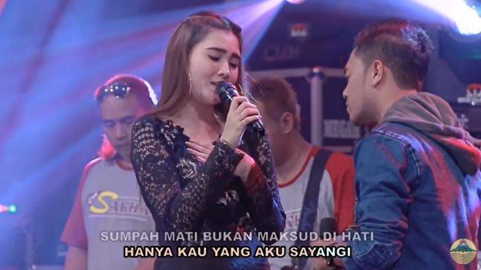 20 Kumpulan Lagu Nella Kharisma - LINK Download Lagu Mp3 Klik di Sini!