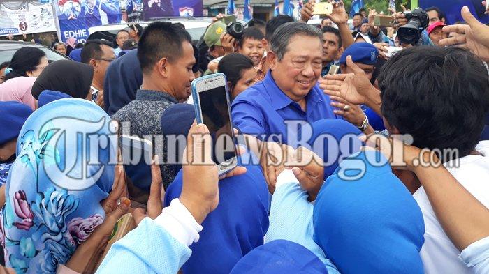 Gunakan Hak Pilih di Pilkada Serentak, SBY dan Keluarga Nyoblos di TPS 006 Nagrak Cikeas