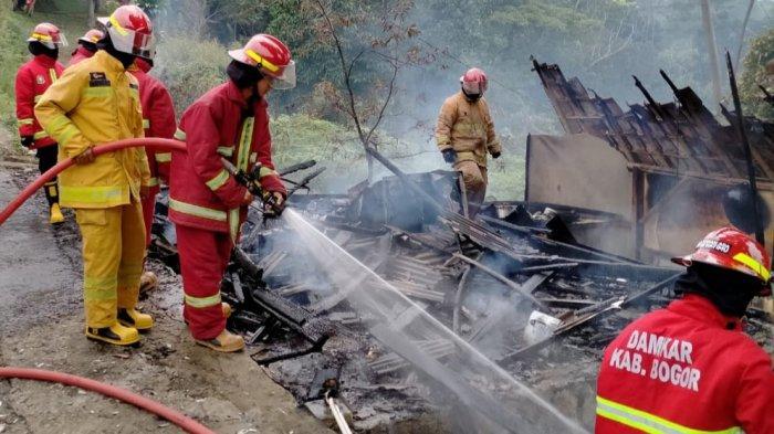 Rumah Beserta Warung di Citeureup Bogor Hangus Terbakar, Saat Ini Apinya Sudah Padam