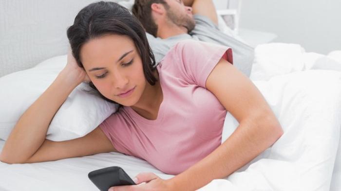 Tafsir Mimpi Selingkuh dengan Mantan Pacar, Benarkah Bisa Jadi Tanda Cinta Lama Bersemi Kembali ?