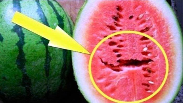 Segera Buang Jika Menemukan Semangka Seperti Ini, Akibatnya Fatal Untuk Kesehatan !