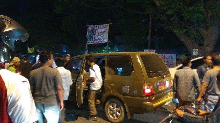 Senggolan dengan Angkot di Citeureup Bogor, Sopir Mobil Plat Merah Nyaris Adu Jotos