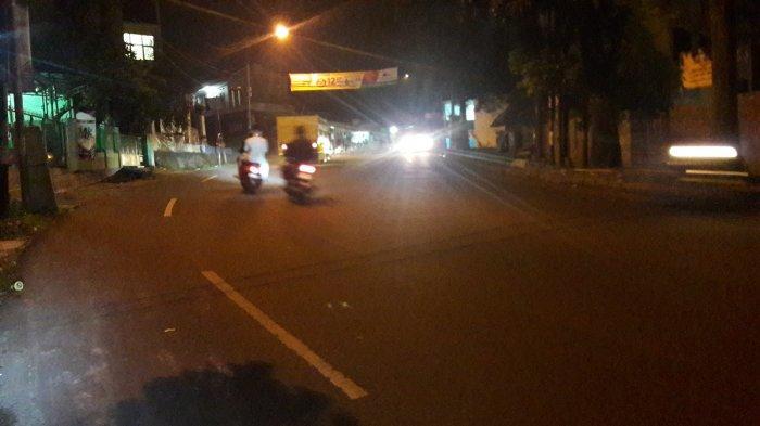 Lalu Lintas Kendaraan di Jalan Karadenan Cibinong Malam Ini Lancar