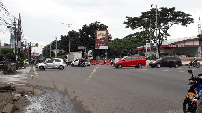 Senin Pagi, Lalu Lintas Simpang Sentul Cibinong Ramai