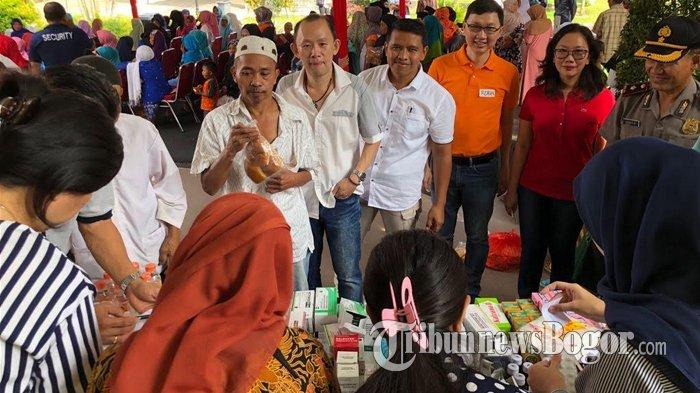 Peringati Hari Kartini, Warga Sentul City Bagikan Sembako dan Pengobatan Gratis Untuk Lansia