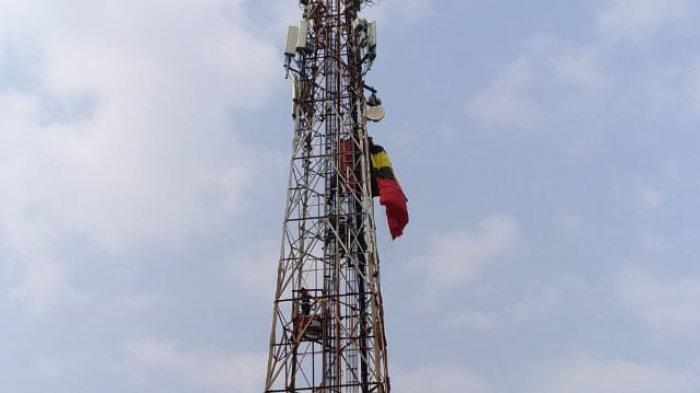 Penerjun Payung Berusia 60 Tahun Tersangkut di Tower BTS Daerah Cibinong