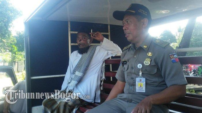 Tubuhnya Gemetar, Pengemis Bermobil di Bogor Ungkap Alasan Dirinya Minta-minta di Jalan