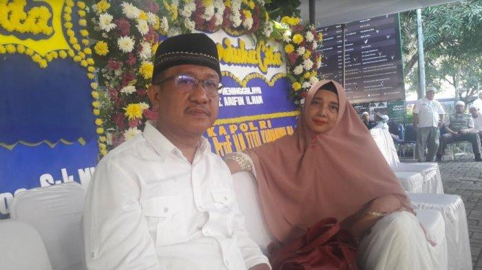 Warga asal Jakarta Ini Menangis Menceritakan Sosok Ustaz Arifin Ilham