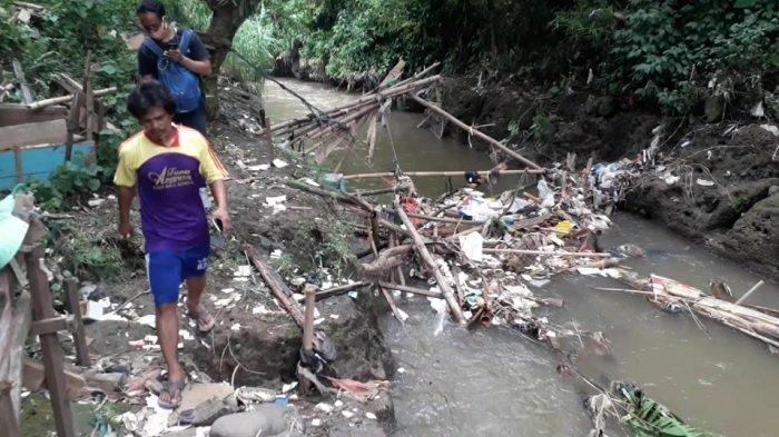 Mayat Bayi di Tumpukan Sampah di Cilebut Diperkirakan Berusia 1 Tahun, Dibawa ke RS Kramat Jati