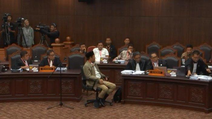 Kuasa Hukum 02 Minta Waktu Saat Hakim MK Minta Bukti 17,5 juta DPT Tidak Wajar, Yusril Interupsi