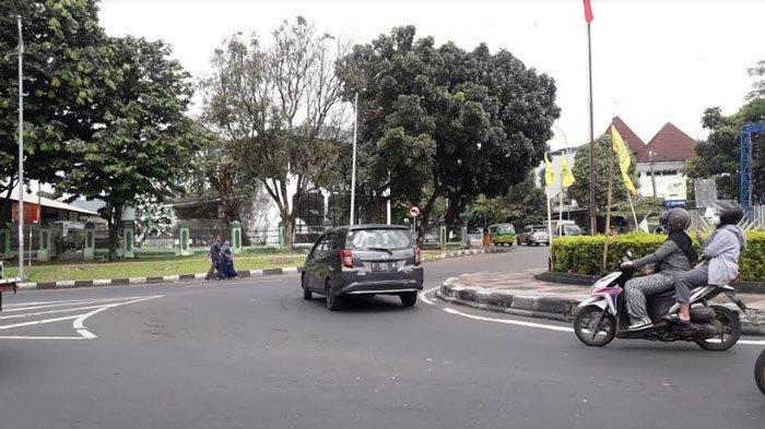 Lalu Lintas Kendaraan di Simpang Air Mancur Kota Bogor Saat Ini Ramai Lancar