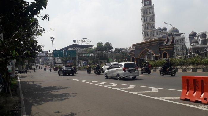 Lalu Lintas Kendaraan di Simpang Gadog Puncak Bogor Saat Ini Ramai Lancar