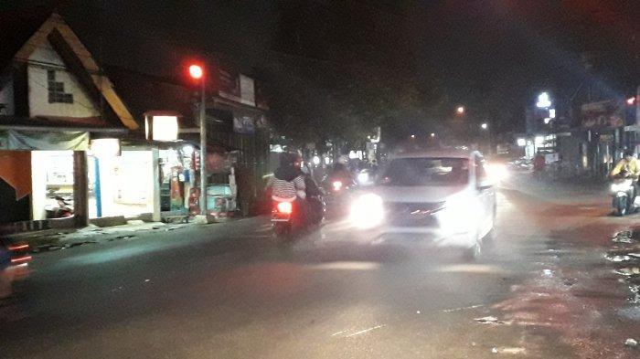 Lalu Lintas di Simpang Karadenan Cibinong Malam Ini Ramai Lancar