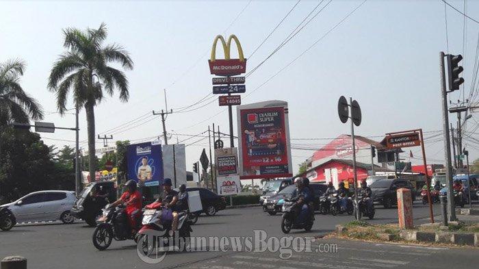 Pagi Ini Arus Lalu Lintas di Simpang MCD Cibinong Ramai Lancar
