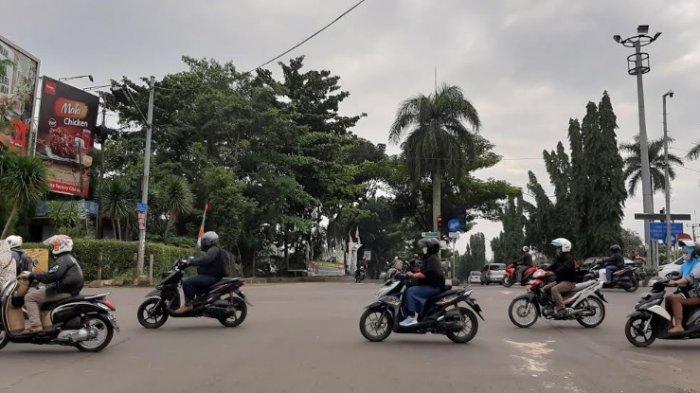Pagi Ini Jalan Raya Simpang PDAM Cibinong Lancar Kedua Arah
