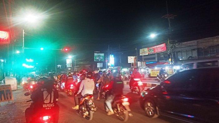 Lalu Lintas di Simpang Pomad Saat Ini Ramai Cenderung Lancar Arah Kota Bogor