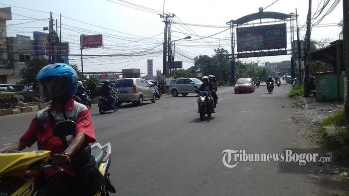 Simpang Pomad Pagi Ini Ramai Lancar Arah Cibinong dan Sebaliknya