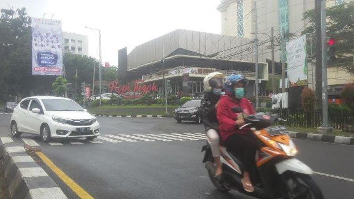 Cuaca Mendung, Arus Lalu Lintas di Jalan Pajajaran Saat Ini Lancar