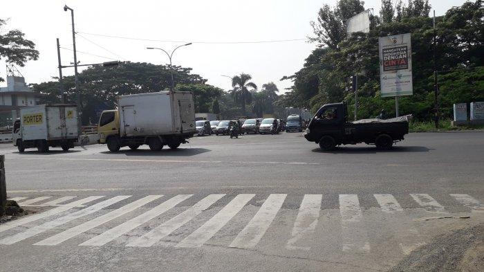 Kondisi Lalu Lintas di Jalan Raya Jakarta-Bogor Simpang Sentul