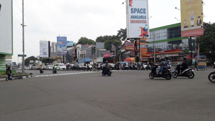 Lalu Lintas Kendaraan di Simpang Warung Jambu Kota Bogor Saat Ini Ramai Lancar