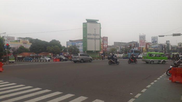 Lalu Lintas Kendaraan di Simpang Warung Jambu Kota Bogor, Saat Ini Ramai Lancar