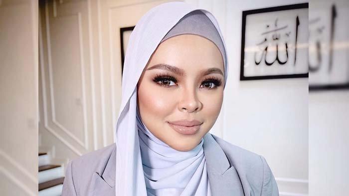 Artis Malaysia Siti Sarah Meninggal karena Covid-19, Bayi yang Dikandungnya Diselamatkan Dokter