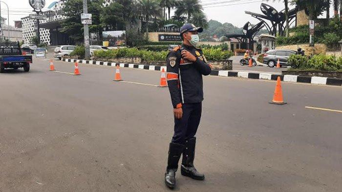 Pukul 10.07 WIB, Semua Orang di Simpang Gadog Menundukan Kepala, Ini Makna Mengharukan di Baliknya