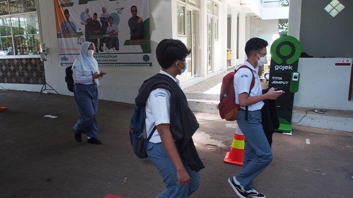 Terapkan Prokes Ketat, PTM Terbatas di SMA Negeri 6 Bogor Dibagi Jadi Tiga Waktu