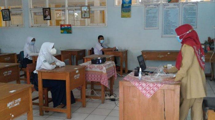 Hari Pertama Uji Coba Sekolah Tatap Muka di Bogor, SMPN 15 Buka Empat Kelas