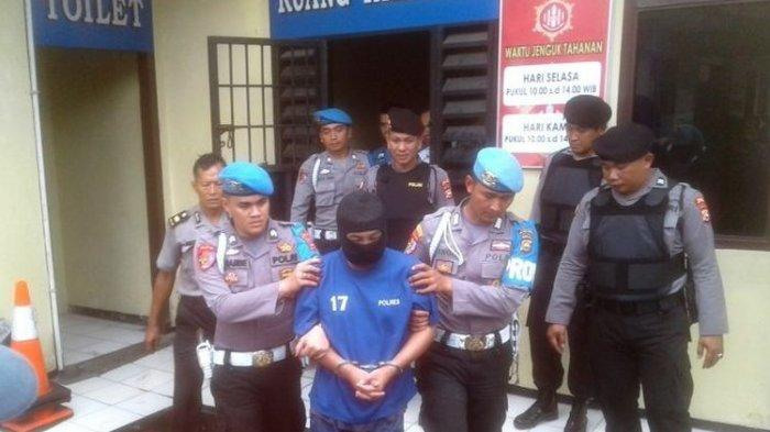 Setelah Bunuh Siswi SMA di Bengkulu, Sopir Angkot Sempat Makan dan Ngopi Santai