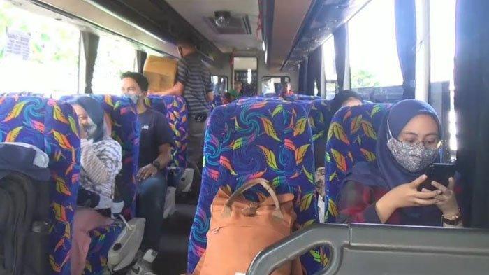 H-1 Jelang Larangan Mudik, Sopir Bus di Bogor Khawatir Kehilangan Pemasukan