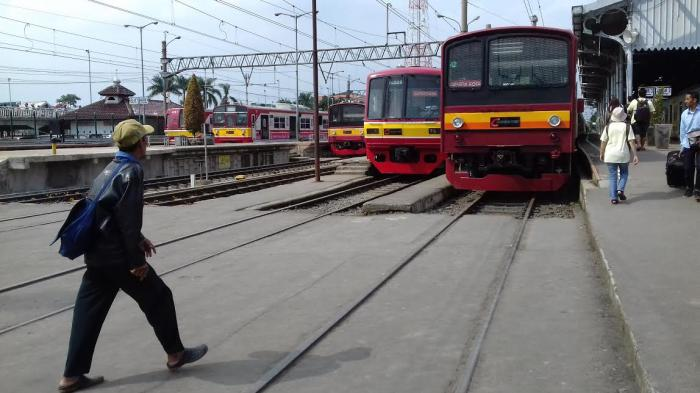 KCI Kerahkan Ribuan Petugas di 80 Stasiun KRL untuk Layani Penumpang saat PSBB