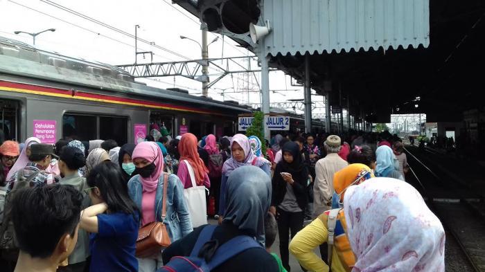 Kronologi Wanita yang Mengaku Kehilangan Bra di Kereta, Baru Sadar Ketika Bercanda dengan Teman