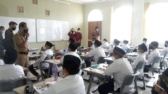 Minggu Kedua PTM di Kota Bogor, Wali Kota Bima Arya Cek Prokes di Bintang Pelajar