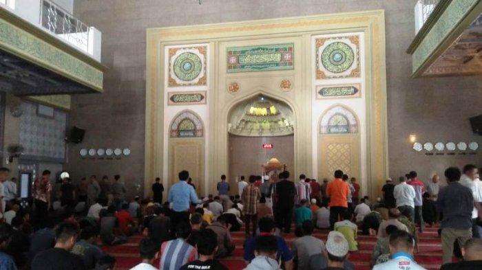 Salat Tarawih Di Masjid Raya Kota Bogor, Setiap Imam Khatamkan Satu Juz Alquran