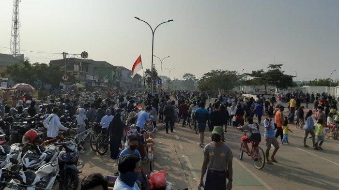 Tak Pakai Masker saat Olahraga di Area Stadion Pakansari, Warga Dihukum Push Up 50 Kali