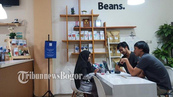 Suasana di Kemenady Coffee, Jalan Pengadilan, Pabaton, Bogor Tengah, Kota Bogor