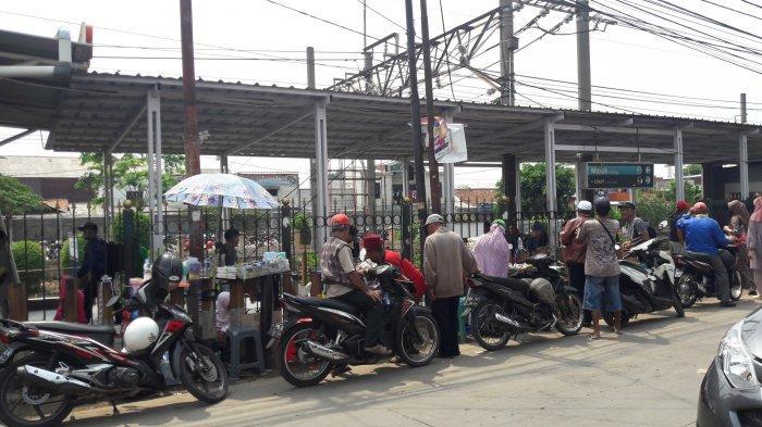 Beredar Pesan Ajakan Demo, Stasiun Bojonggede Bogor Sepi dari Para Pelajar