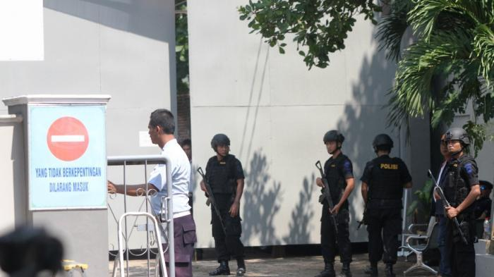 Dipindahkan ke Lapas Batu Nusakambangan, Habib Bahar bin Smith Dijemput Brimob Bersenjata Lengkap