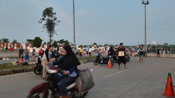 Kawasan Stadion Pakansari Ramai Dikunjungi Warga Bogor dan Depok saat Minggu Pagi