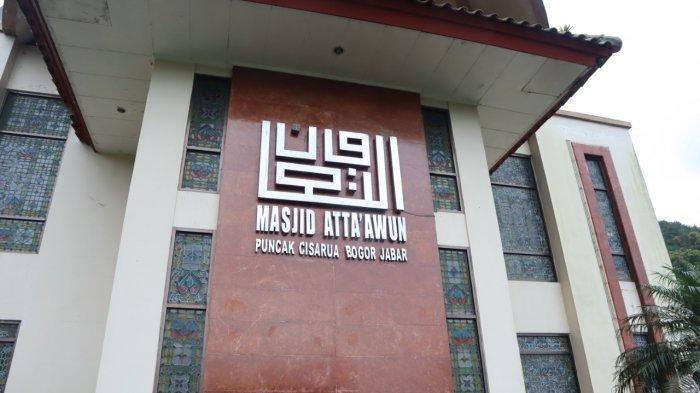 Suasana Masjid Atta'awun Puncak Bogor di bulan Ramadan 1442 H.